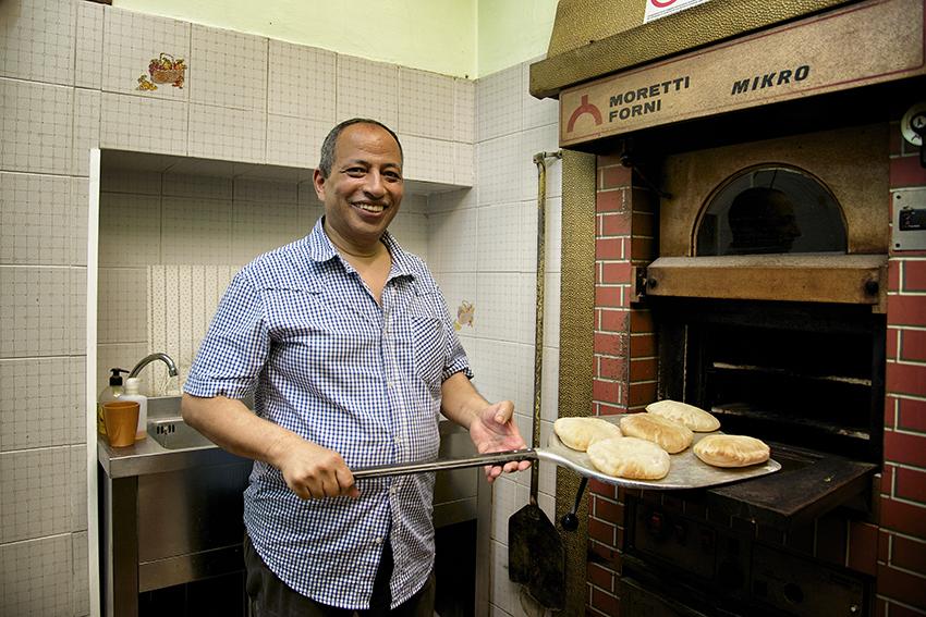 Chiude lo storico negozio di panini egiziani di via Palazzuolo