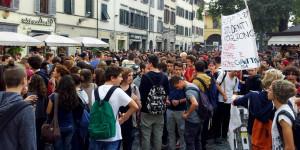 studenti-in-piazza-Firenze
