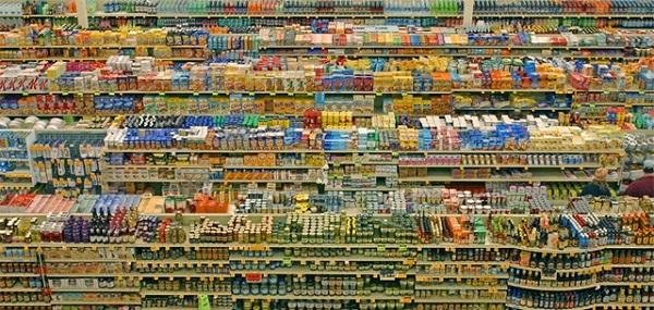 Alt alla legge urbanistica, passi l'ipermercato!