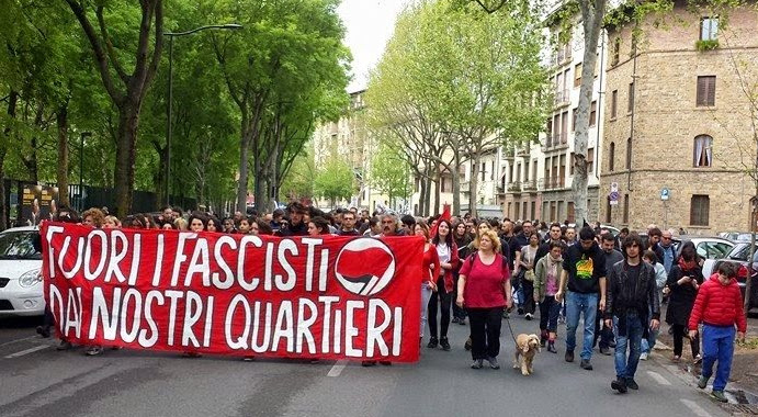 """Smascheriamo """"La Fenice"""", altra sede fascista nel Quartiere 2"""
