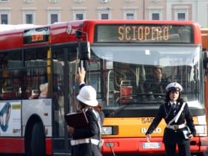 sciopero-bus-610x458