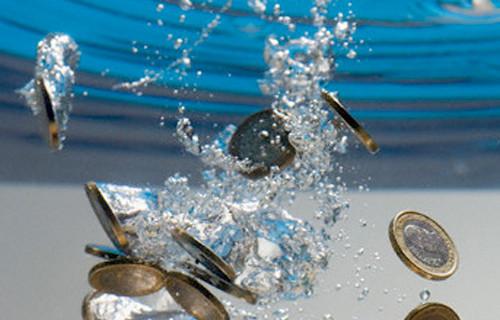 monete-in-acqua