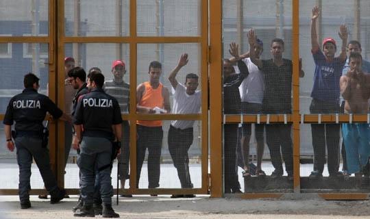 Ex-Aiazzone di Sesto Fiorentino: MEDU denuncia il taglio della corrente elettrica a oltre 100 rifugiati