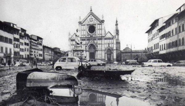 Alluvione di Firenze 50 anni dopo: celebriamo l'auto organizzazione dal basso