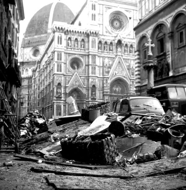 1966-2016: per una controlettura dell'alluvione. Firenze tra azione popolare e reazione del capitale