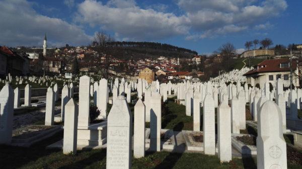 Da Auschwitz a Srebrenica passando per le foibe: i rischi di una Memoria senza Storia