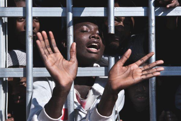 Luglio 2020: l'Italia (ri)finanzia i campi di prigionia in Libia