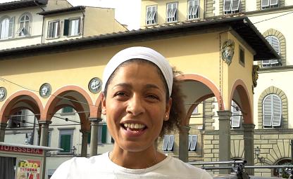 Vogliamo il pane, ma anche le case: intervista a Dina, la fornaia di piazza dei Ciompi - Video