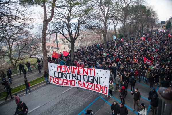 Macerata, una giornata di antifascismo militante
