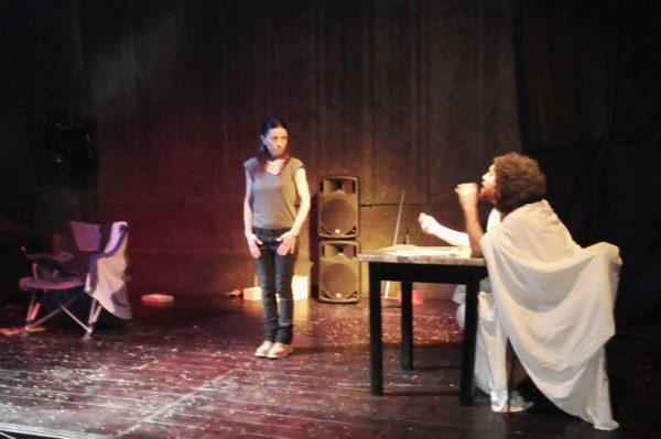 Il Teatro Contadino Libertario e la resistenza di Mondeggi. Anche in Belgio