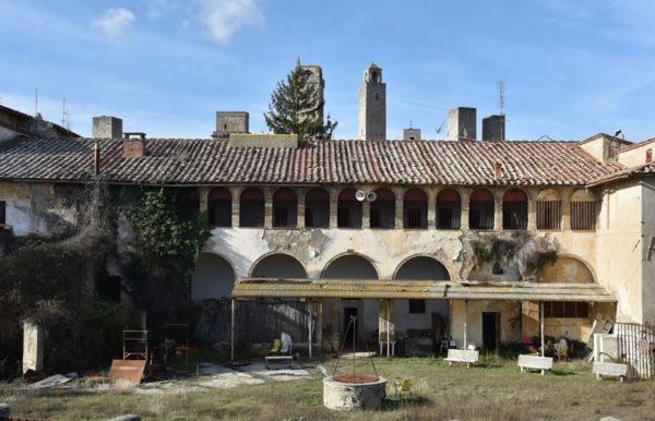 San Gimignano. Privatizzare (di fatto) la città storica