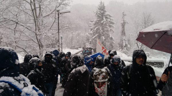 Giornata di lotta in Valle tra neve e manganelli