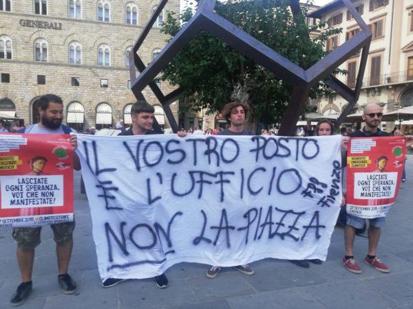 """Friday for Future a Nardella: """"Le parole vuote del sindaco sono più tossiche dei gas serra"""""""