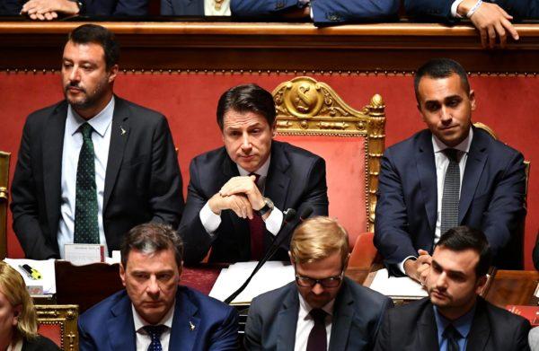 Bene Salvini fuori. Ma adesso serve una forte opposizione sociale al governo PD 5s
