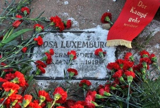 Da Berlino: alla memoria di Rosa e Karl