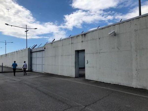 Cpr Gradisca: i migranti detenuti confermano l'omicidio poliziesco e smentiscono la tesi della rissa