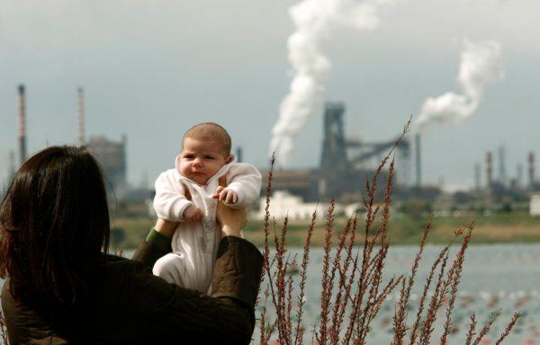 Bambini, inquinamento e cambiamento climatico in 10 passi