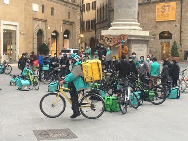 Primo Maggio di lotta dei rider di Firenze