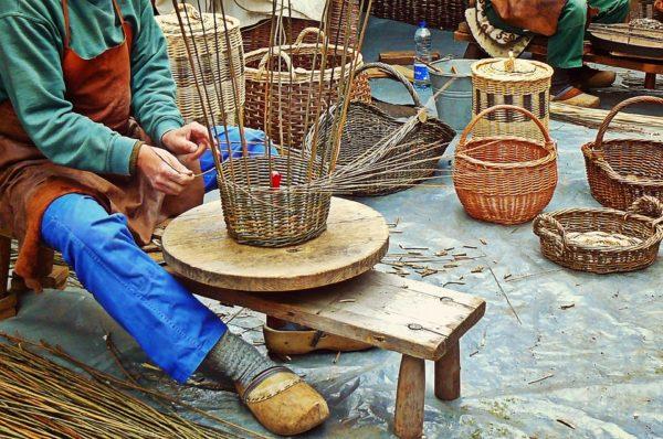 Artigiani di strada: bravi ma cancellati dalla Regione Toscana