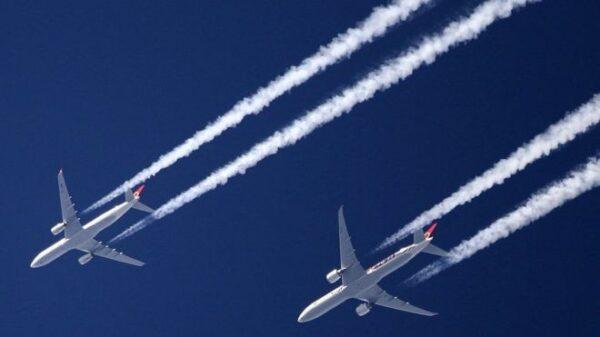 Emergenza climatica, emissioni di CO2 e nuovi aeroporti