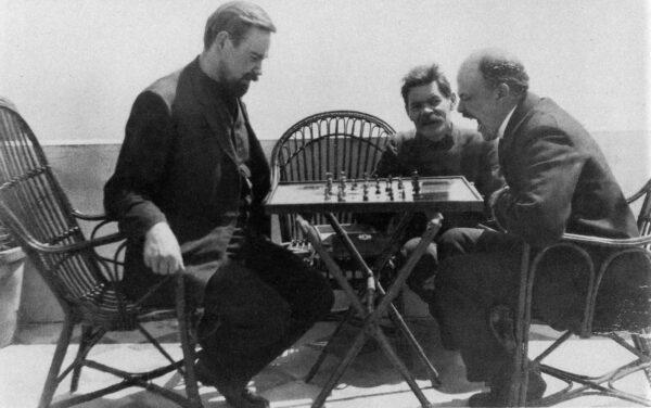 Kafka, un romanzo dei Wu Ming, la disputa tra Bogdanov e Lenin, gli entanglement quantistici e i dati, tanti dati