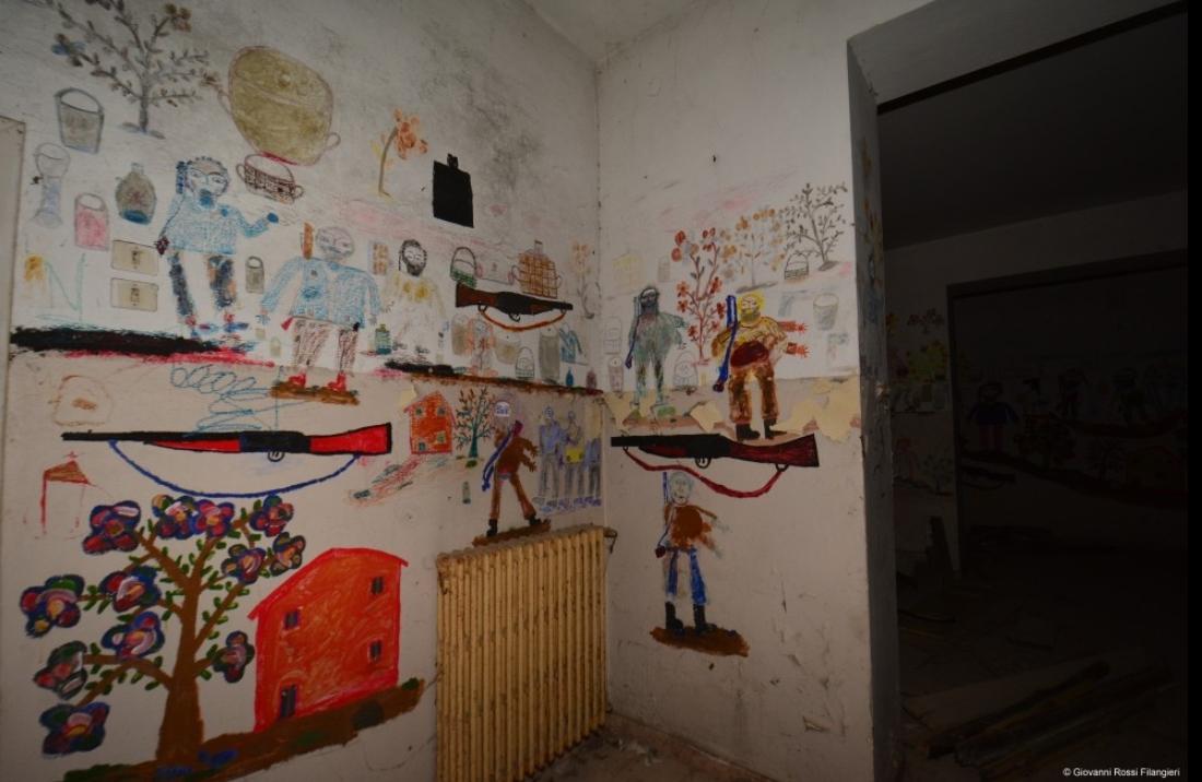 L'interno di un padiglione dell'ex Ospedale Psichiatrico (www.esserealtrove.it)
